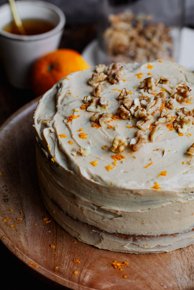 Glutenvrije carrot cake met sinaasappel roomkaas frosting