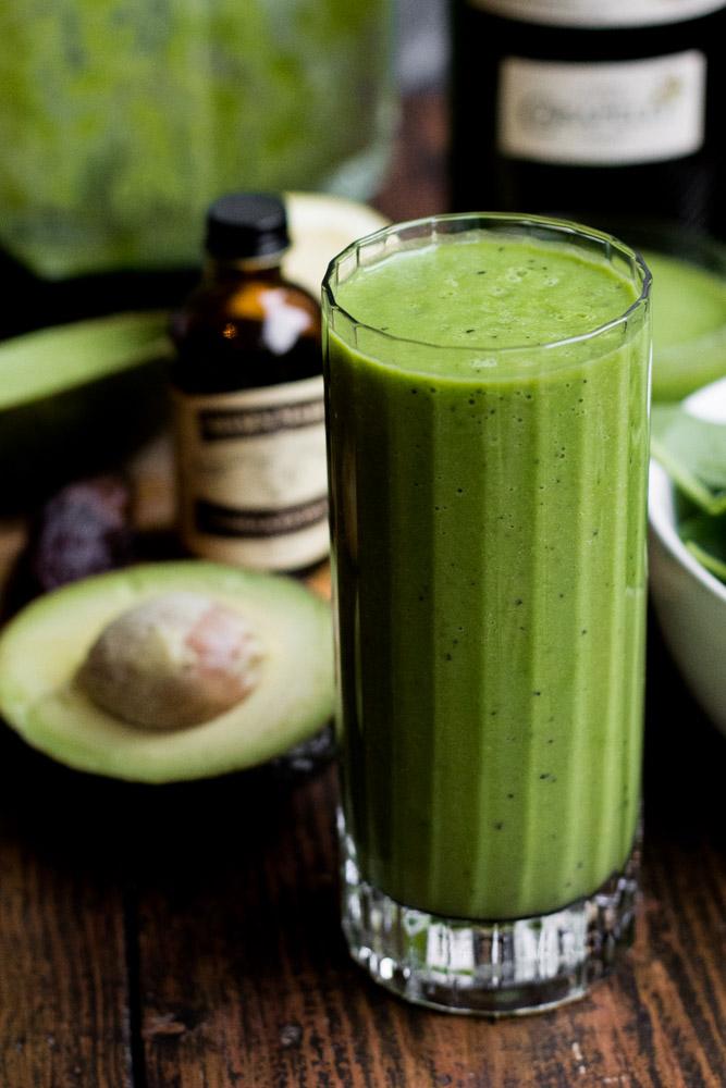 Groene spinazie avocado smoothie